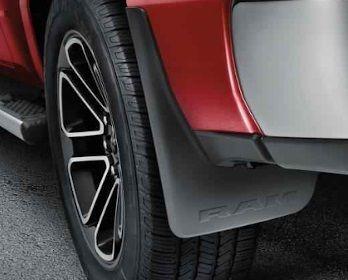 Dodge RAM gegoten luxe spatlappen Mopar (achterzijde)